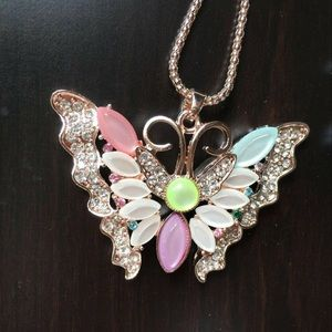 🦋 Colorful Crystal Butterfly pendant necklace